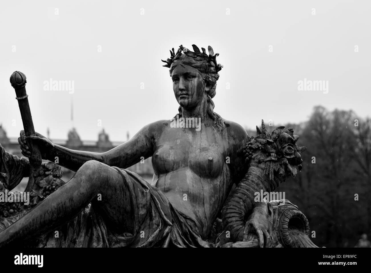Statue im klassischen Stil in den Gärten des Schlosses Herrenchiemsee Stockbild