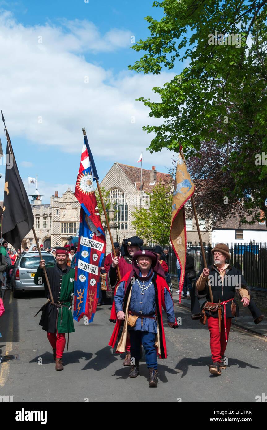 King\'s Lynn, UK. 16. Mai 2015. Parade von über 50 Menschen in ...