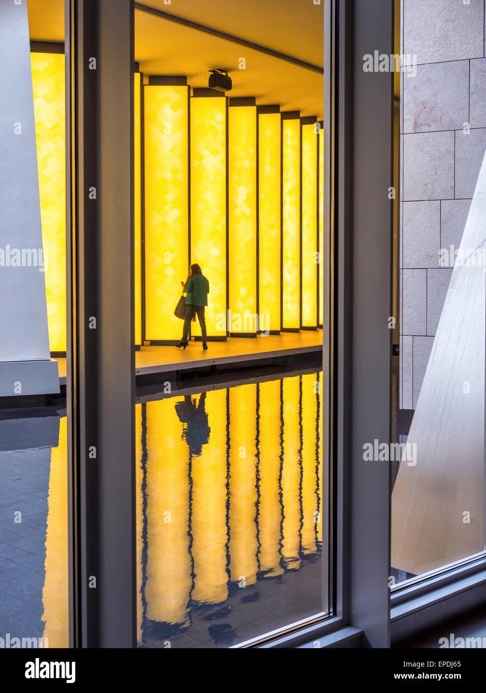 Stiftung Louis Vuitton zeitgenössische Kunst Galerie Interieur ...