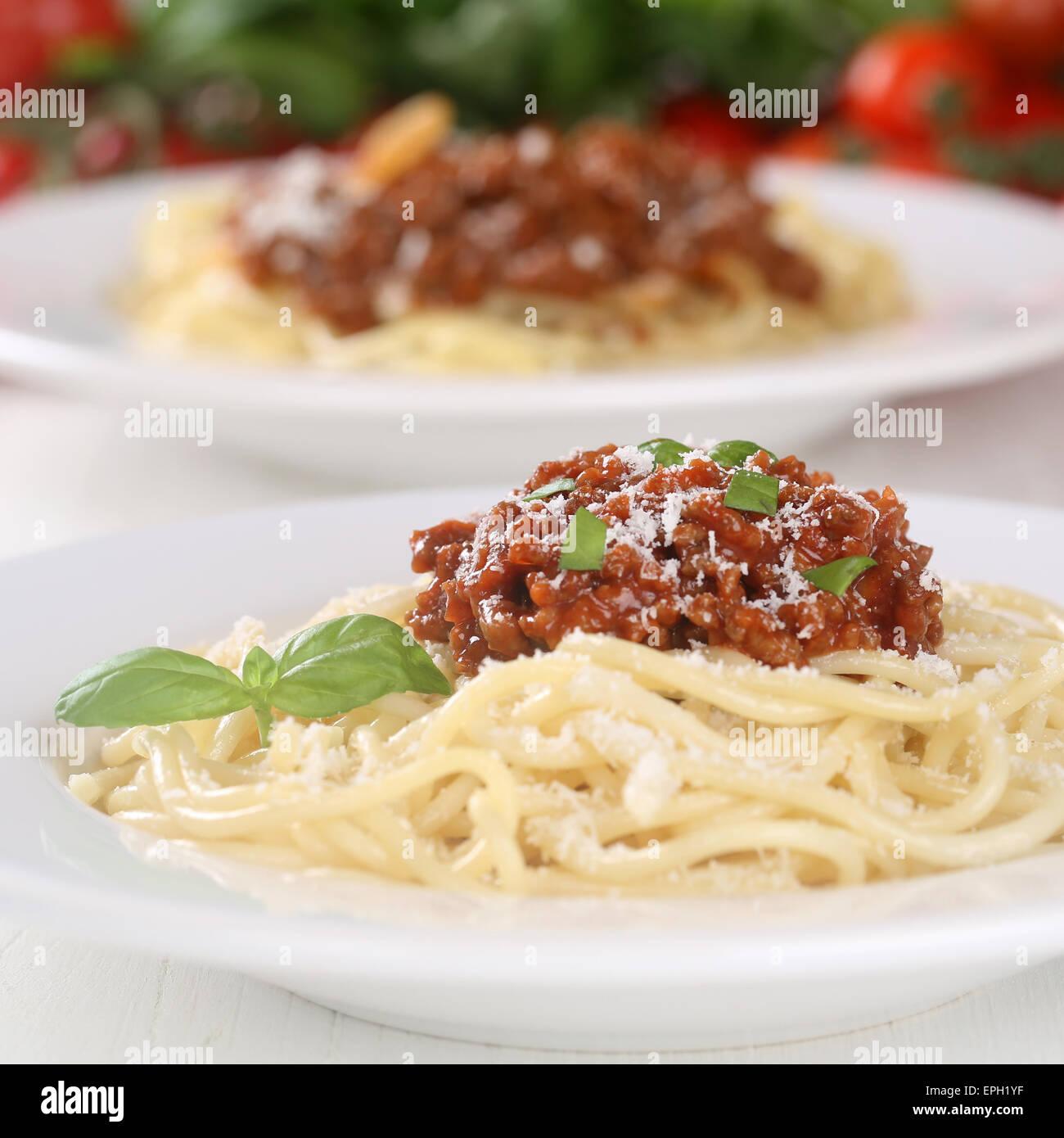 Spaghetti Nudeln Pasta Mit Bolognese-Sauce Stockfoto