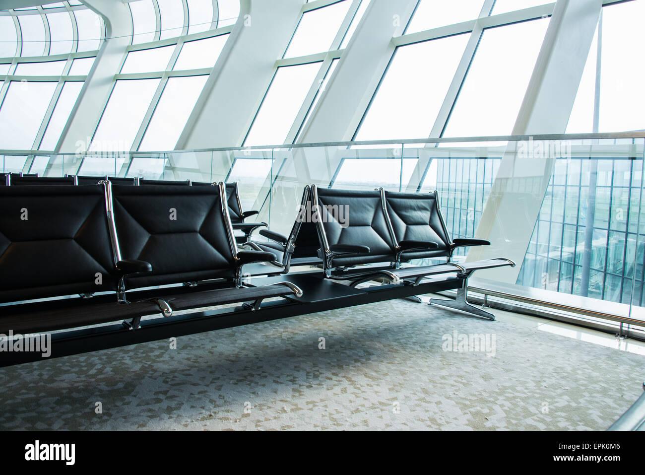 Stühle in der Flughafen-Lounge-Bereich Stockfoto, Bild: 82781558 - Alamy