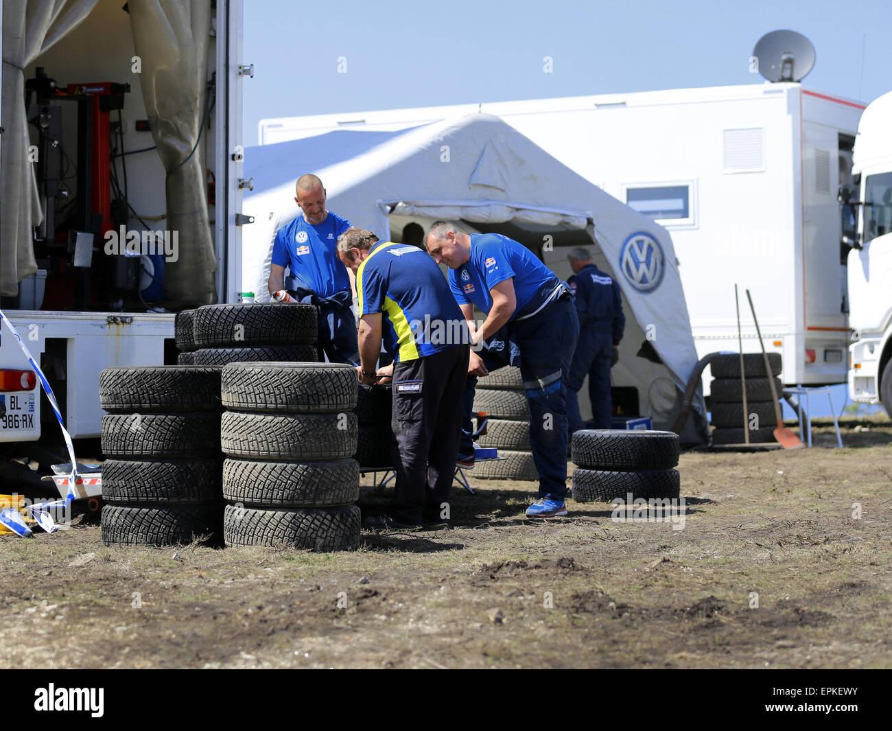 VIANA DO CASTELO, PORTUGAL - Mai 12: Volkswagen Polo R WRC in der Prüfung für Rallye Portugal in Viana Stockbild