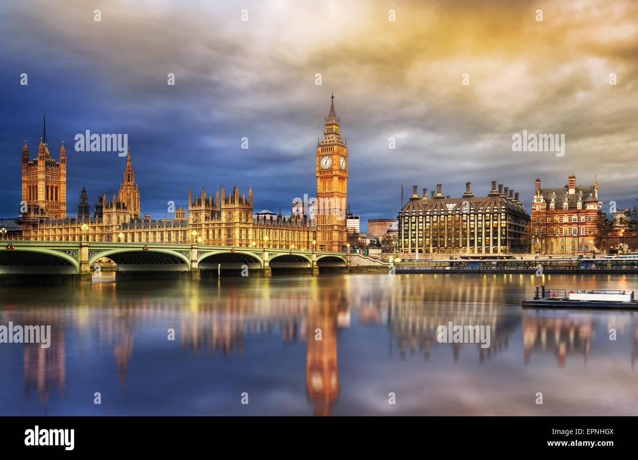 Big Ben und die Houses of Parlament in der Abenddämmerung, London, UK Stockbild