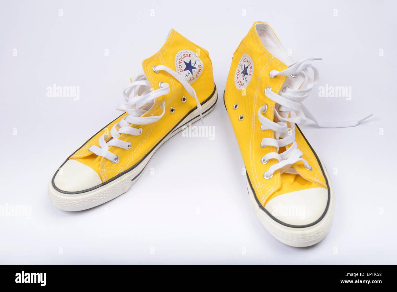 Gelbe Converse Chuck Taylor All Star Schuh paar