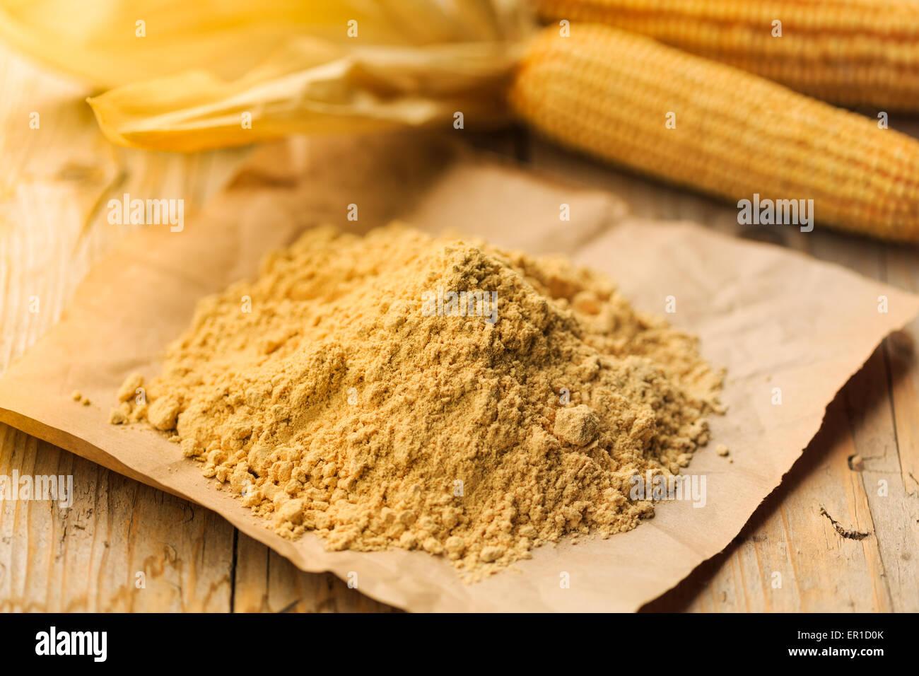 Farina Bona (gutes Mehl) ein traditionelles Produkt aus Tessin, Schweiz, ist eine Art von Mais Mehl fein mahlen Stockbild