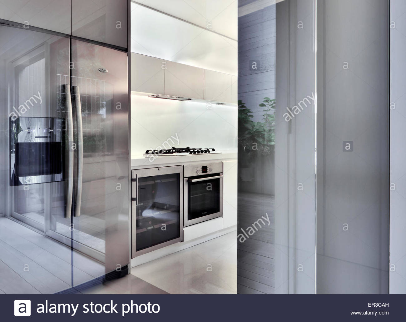 Stainless Steel Appliances Stockfotos & Stainless Steel Appliances ...