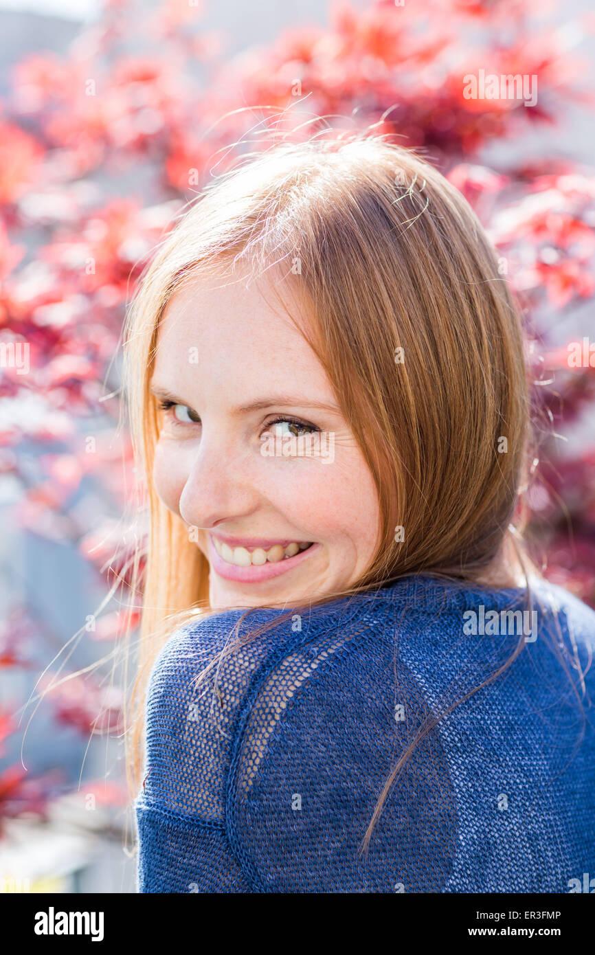 Porträt einer jungen Frau. Stockbild