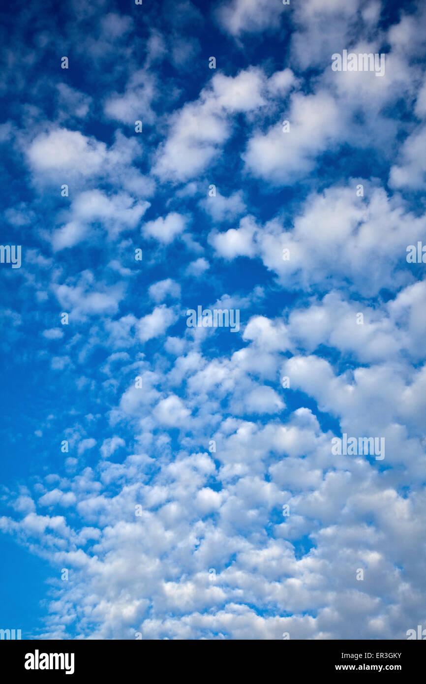 Fluffy Clouds Stockbild