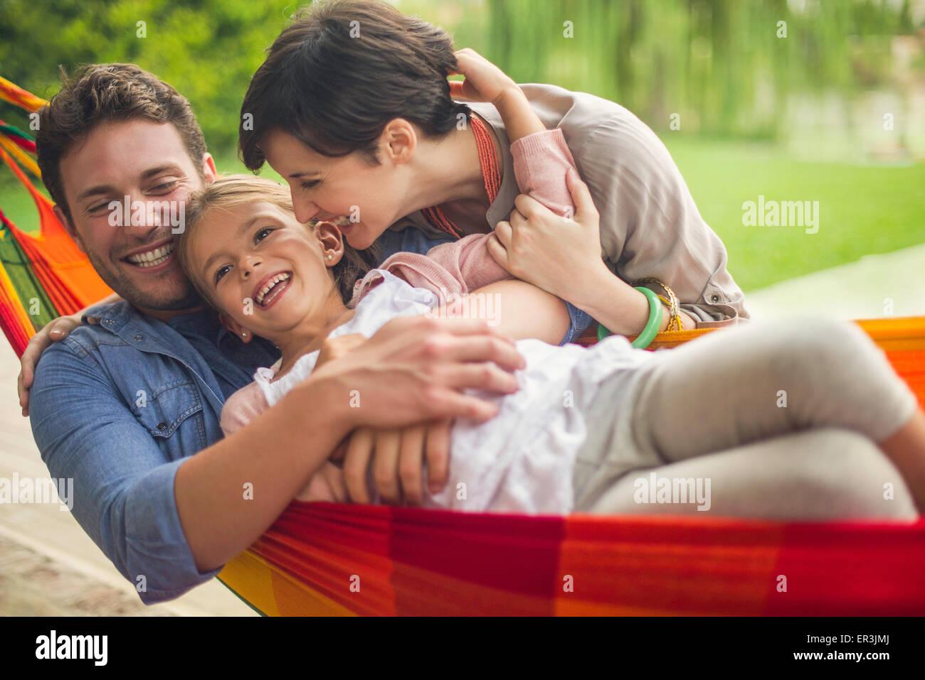 Familie Spaß zusammen zu Hause am Wochenende Stockbild