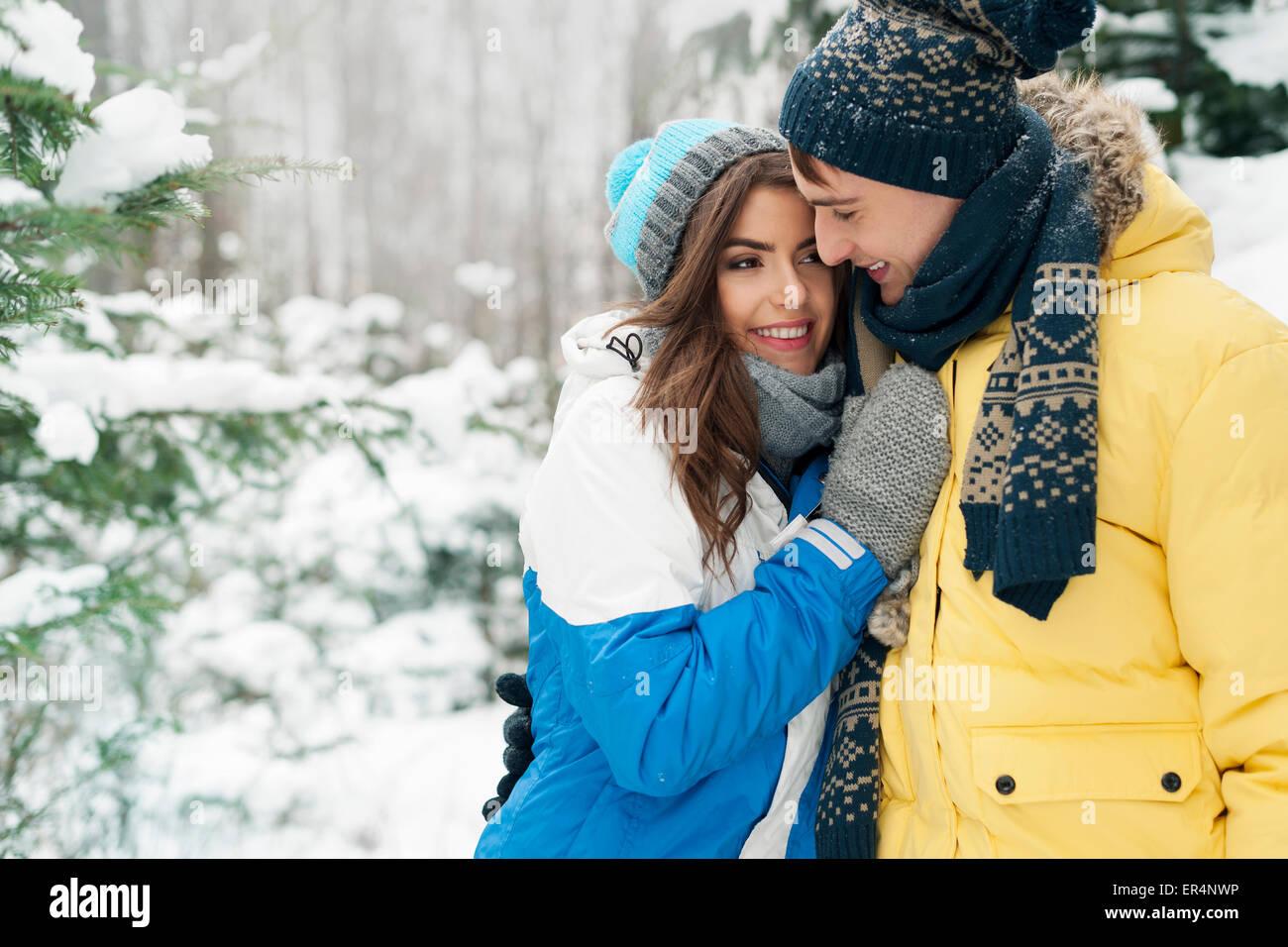 Leidenschaftliche Paare während der Wintersaison. Debica, Polen Stockbild