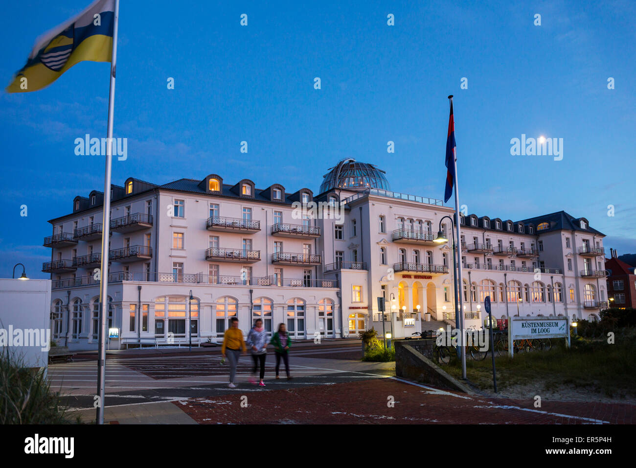 Wellnesshotel in der abendd mmerung insel juist nationalpark nordsee ostfriesischen inseln for Hotels insel juist nordsee