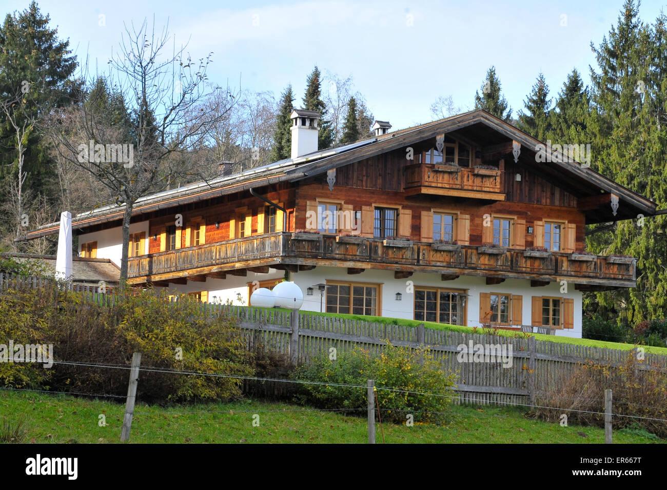 """Uli Hoeneß """"Villa am Tegernsee See Featuring: Atmosphäre ..."""