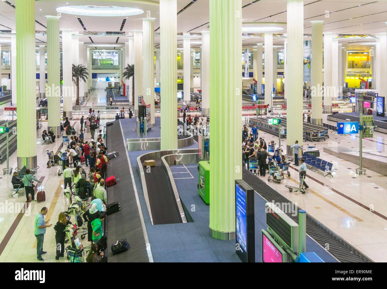 Dubai International Airport Ankunft Halle und Gepäck Karussell, Dubai City, Vereinigte Arabische Emirate, Vereinigte Stockbild