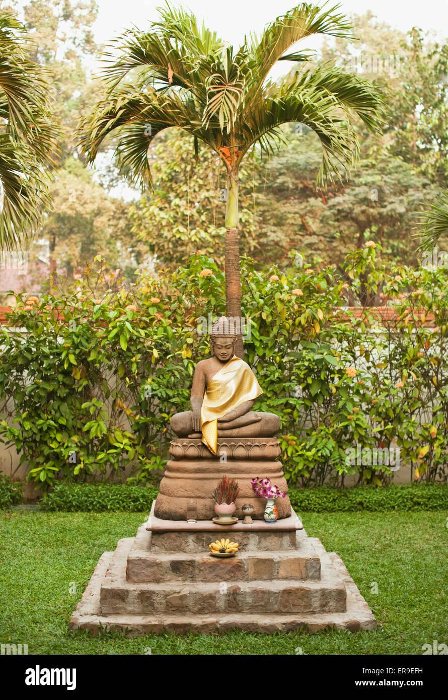 Buddha-Statuen in der Resort Garten von La Residence d ' Angkor, Siem Reap, Kambodscha. Stockbild
