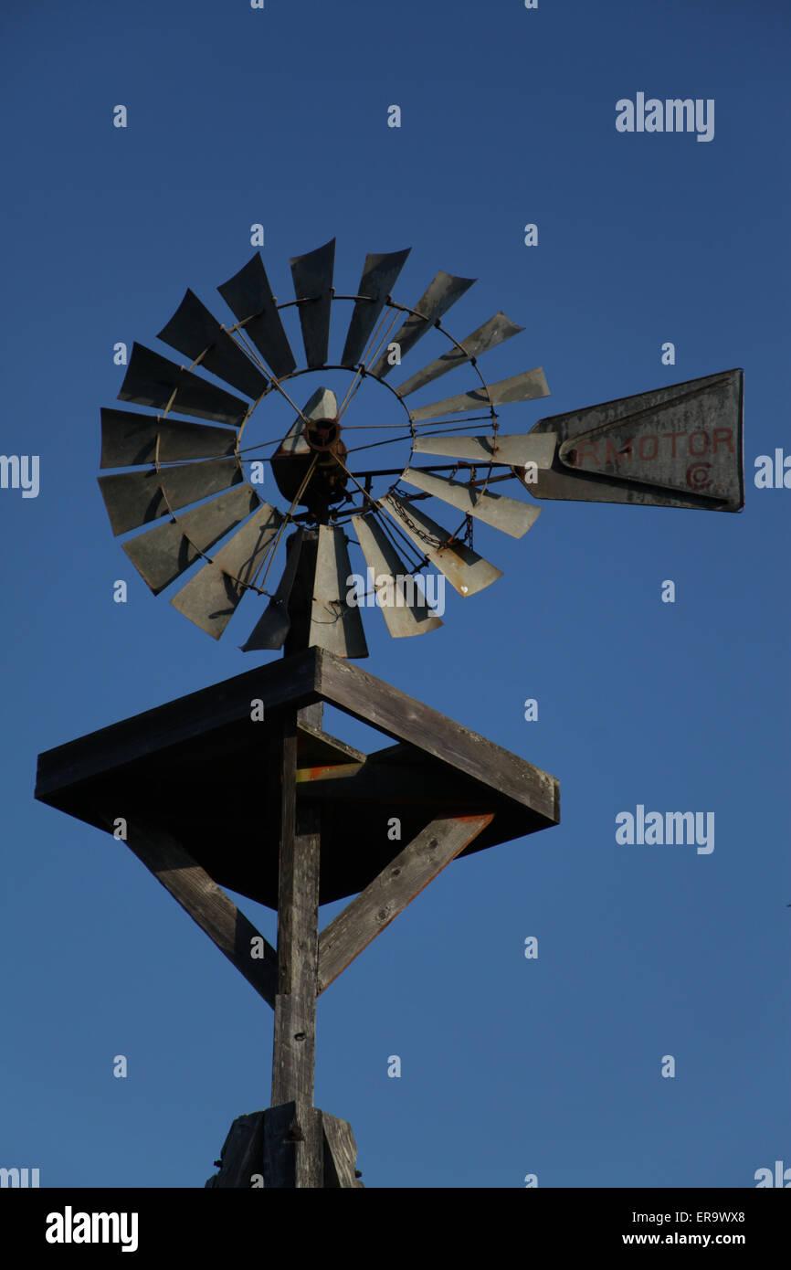 Wind Powered Wasser Pumpe Stockbild