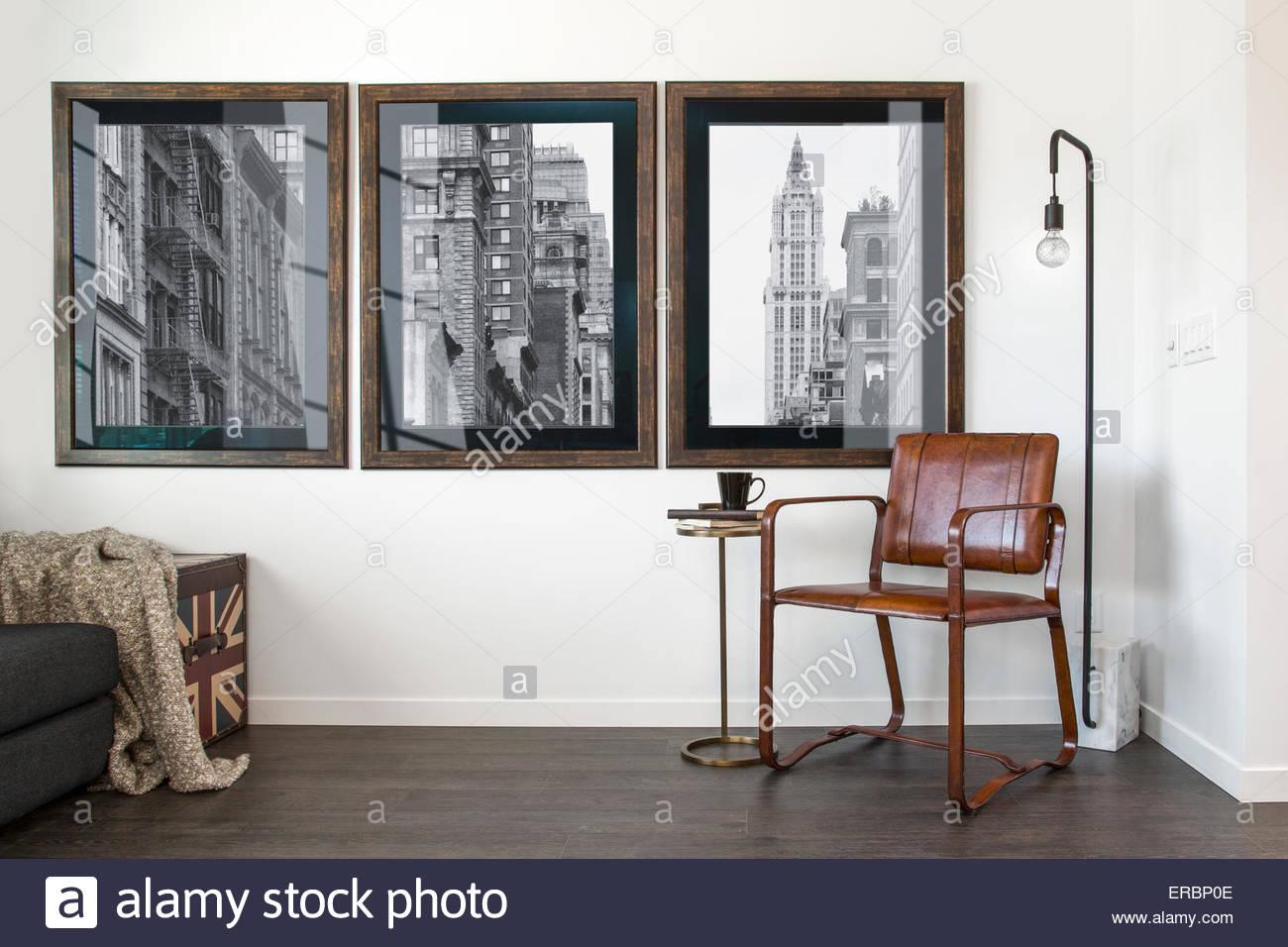Retro-Kunst an der Wand hängen Stockbild