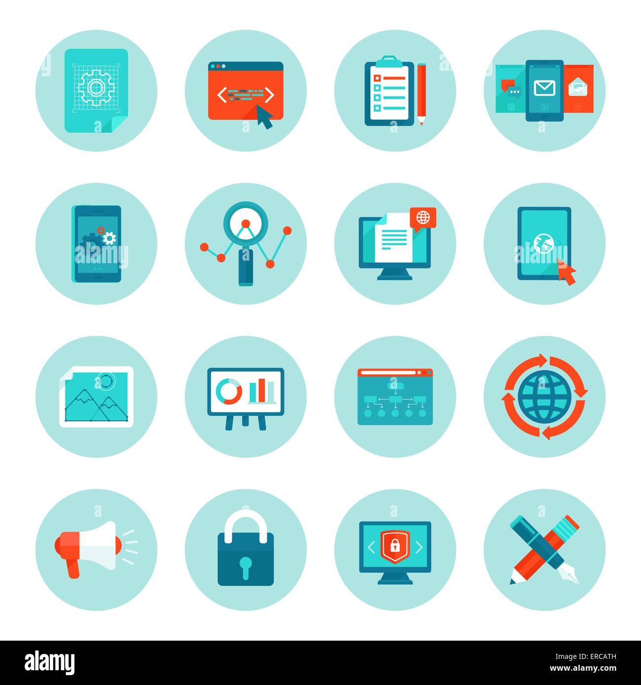 Web-Entwicklung und digitale Marketing-Symbole im flachen Stil - Illustrationen und Zeichen auf Kreis-Hintergrund Stockbild