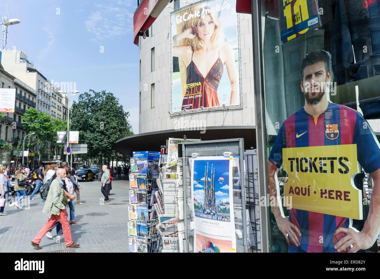 Plaça de Catalunya Straßenszene, Barcelona, Spanien Stockbild