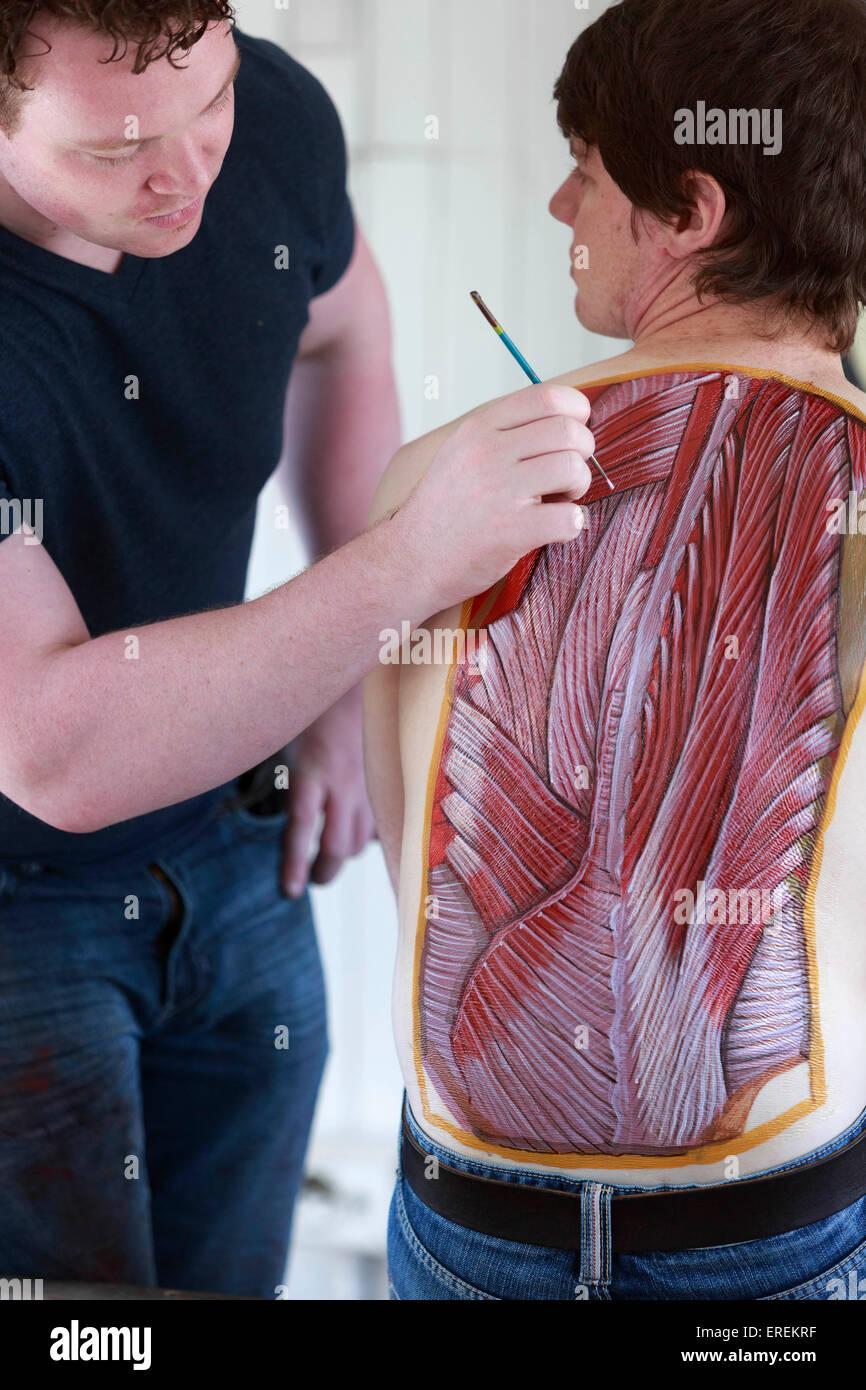 Edinburgh, Schottland. 2. Juni 2015. Ärzte und Künstler treten ...