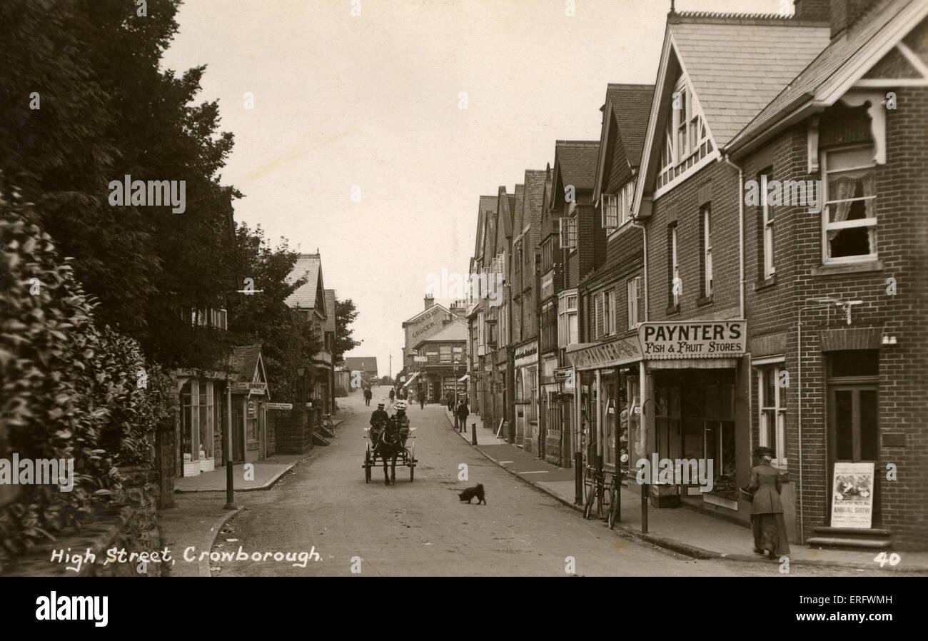 High Street, Crowborough in East Sussex, England. Frühen 1900er Jahren Straßenszene mit Pferd und Wagen. Stockbild