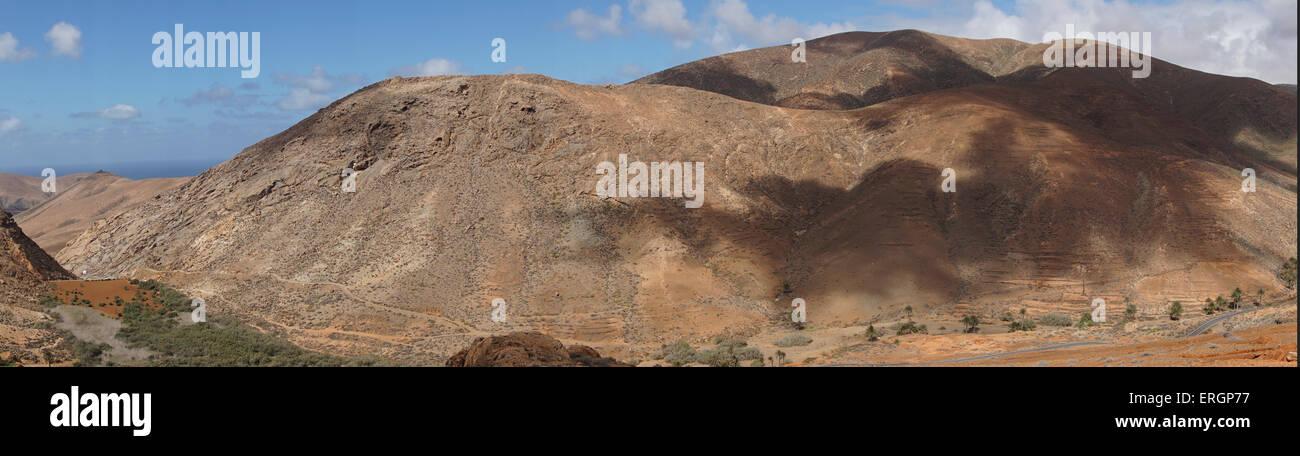 Bergpanorama von Degollada de Los Granadillos, Sicht, Fuerteventura Kanarische Inseln, Spanien Stockbild