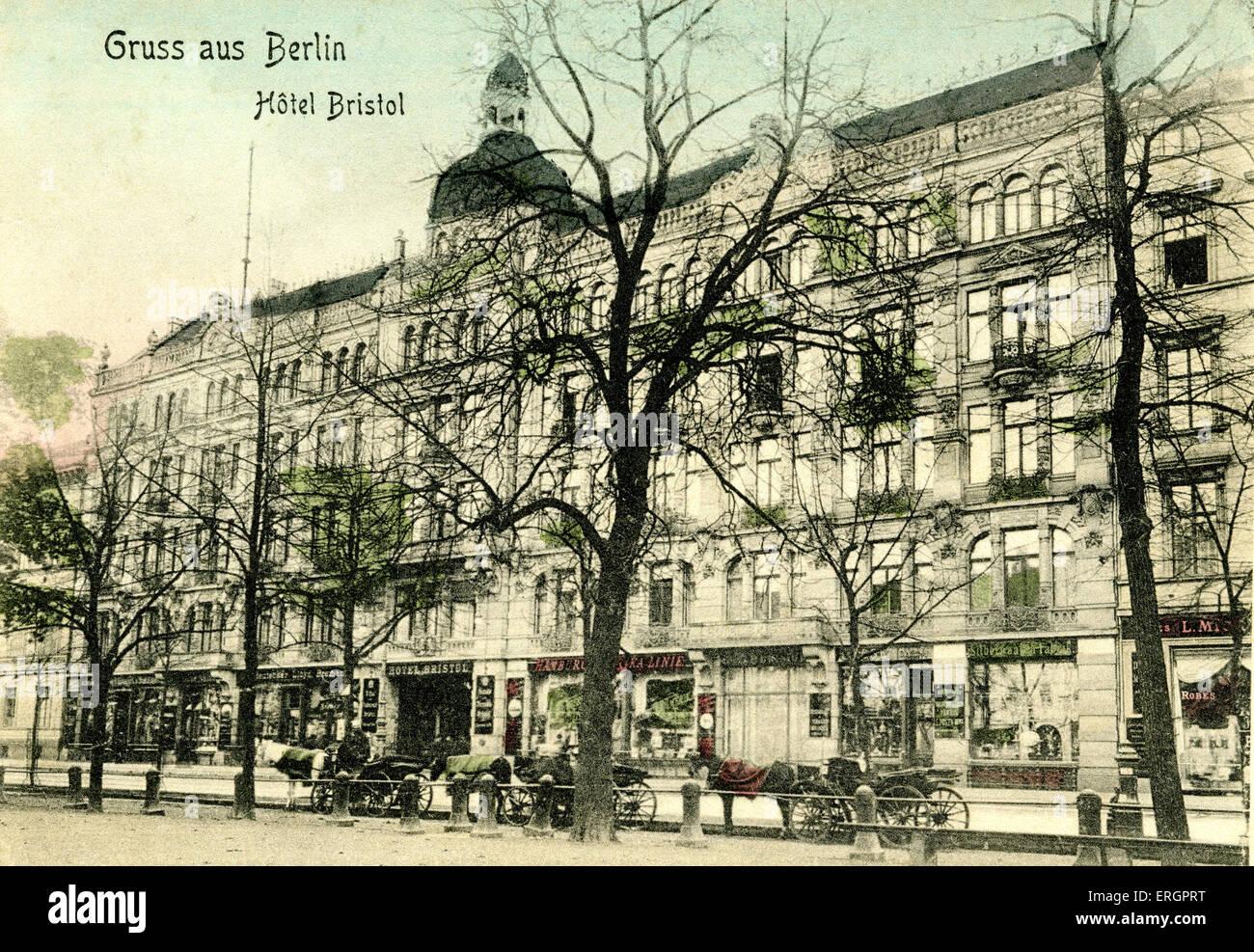 hotel bristol berlin deutschland anfang des 20 jahrhunderts blick auf die stra e stockfoto. Black Bedroom Furniture Sets. Home Design Ideas