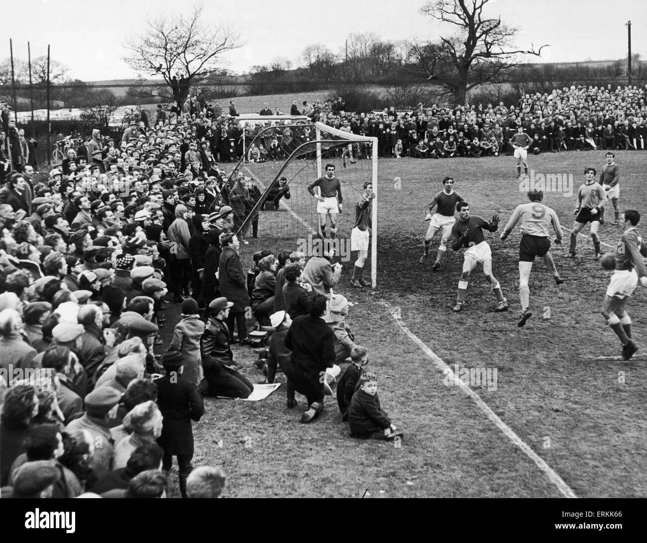 Die Schlussphase der FA Amateur Cup-dritte Runde match zwischen Alvechurch und Wealdstone Lauge Wiese. Alvechurch Stockfoto
