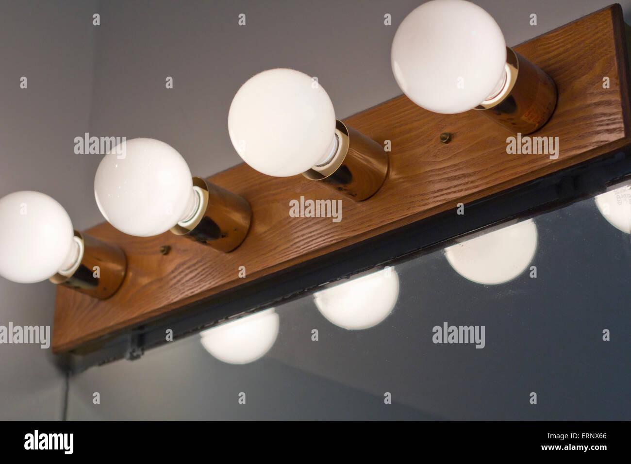 Weißer Kerzenleuchter Kugel Badezimmer Lampen über Spiegel ...