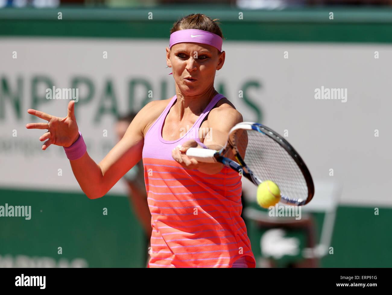 Paris, Frankreich.  6. Juni 2015. Lucie Safarova von Tschechien konkurriert im Dameneinzel Finale gegen Serena Williams Stockbild