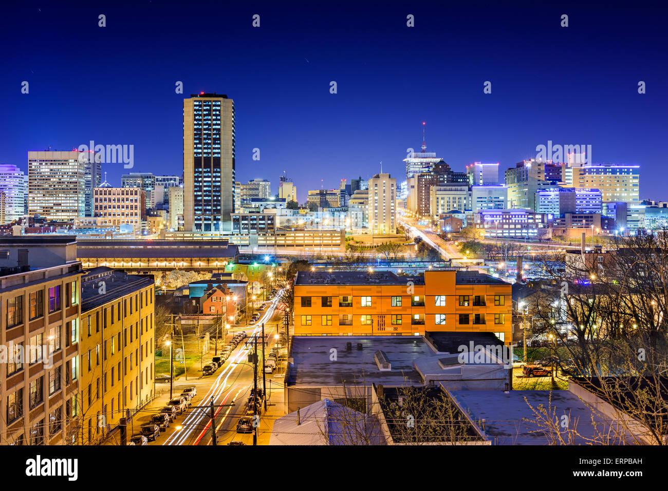 Richmond, Virginia, USA die Innenstadt von Skyline bei Nacht. Stockbild