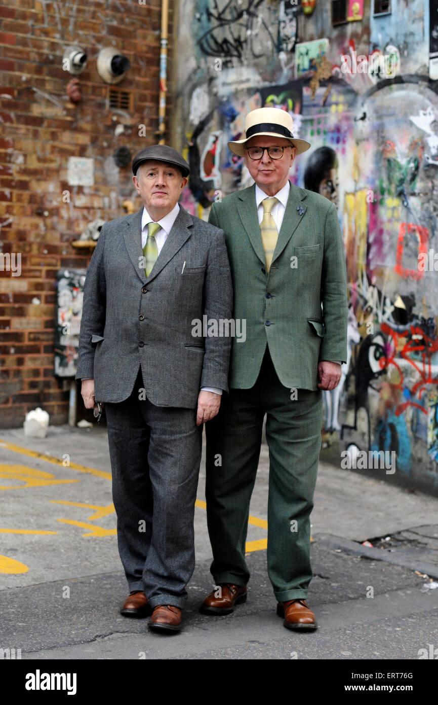 Künstler Gilbert & George, Hanbury Street London. England-UK. Stockbild