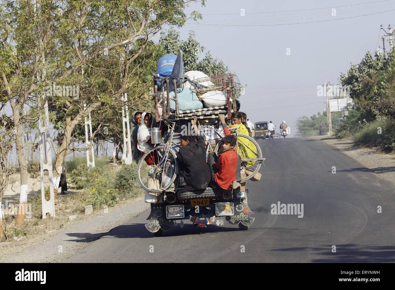 Anwohner Reisen in Chakdo; Porbandar; Gujarat; Indien NOMR Stockbild