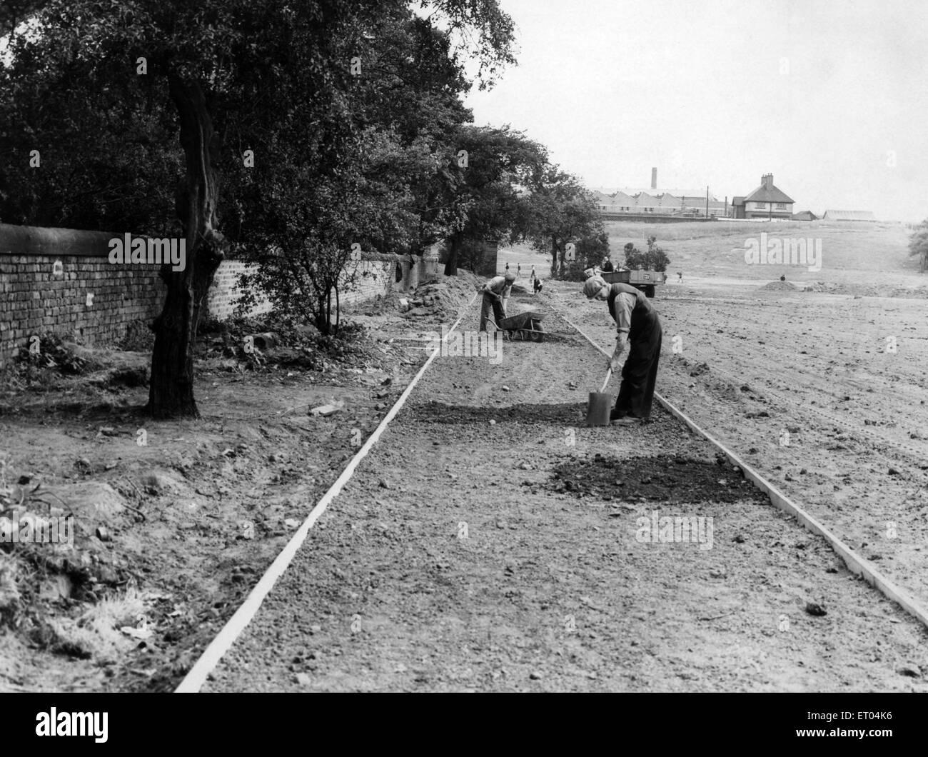Wiederaufbau In Arbeit in Wavertree Park, Liverpool, die zwischen Edge Lane und Picton Road, Merseyside verläuft. Stockbild