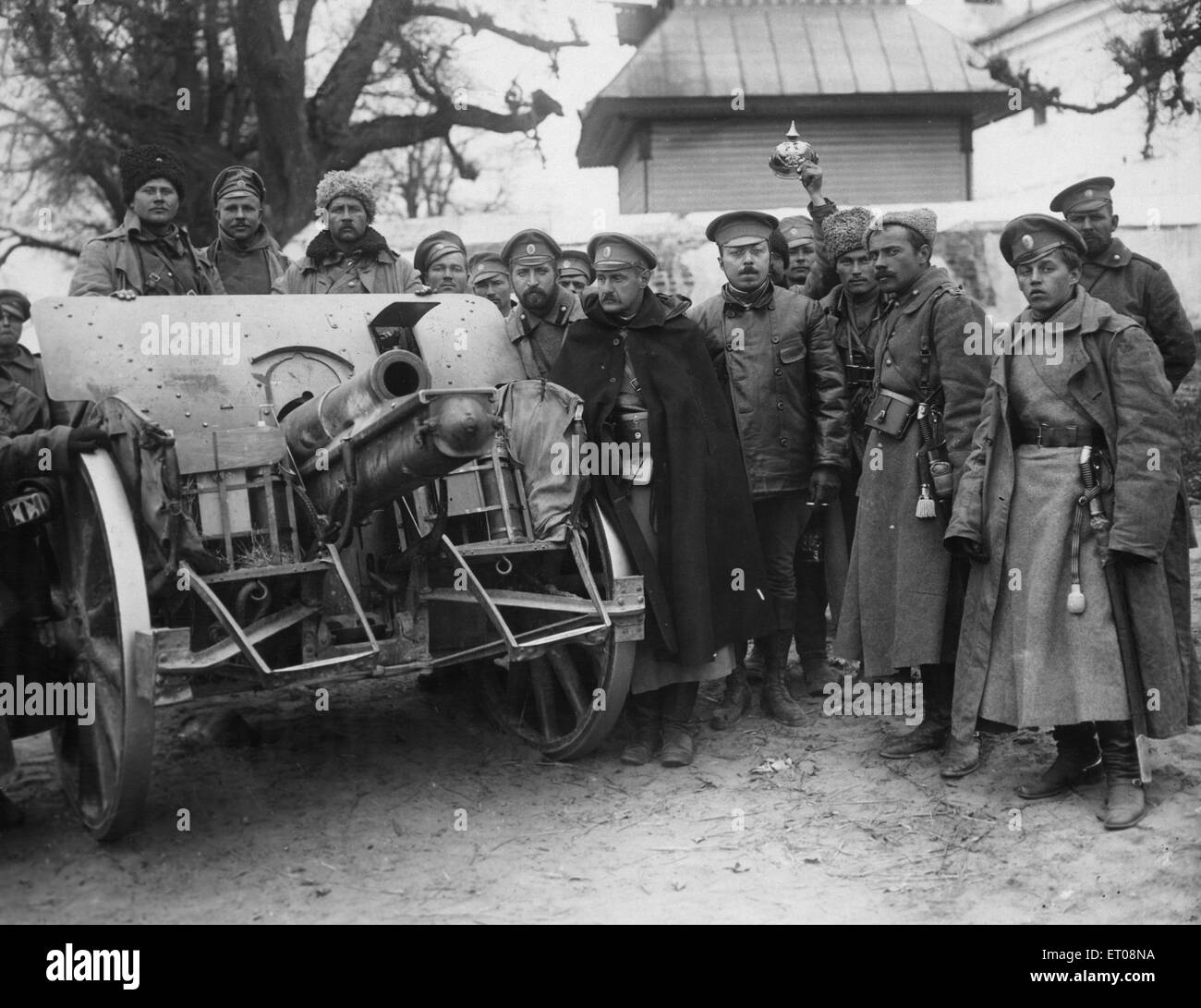 Eine aufgenommene deutsche Haubitze des Kronprinzen Koenigsberg Regiment Grenadiere entnommen. Im Hintergrund ist Stockbild