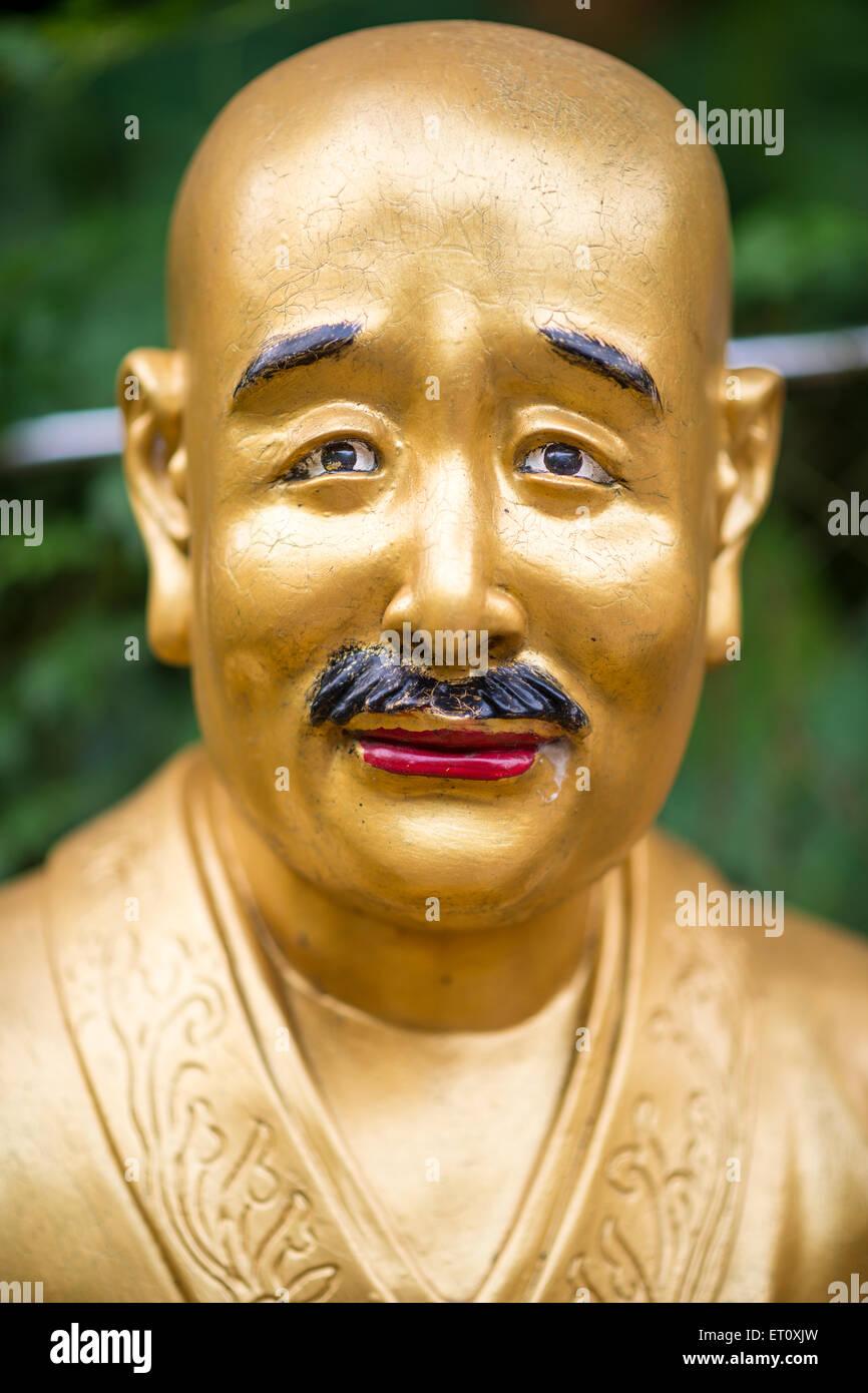 Statuen im Kloster der Zehntausend Buddhas in Sha Tin, Hong Kong, China. Stockbild
