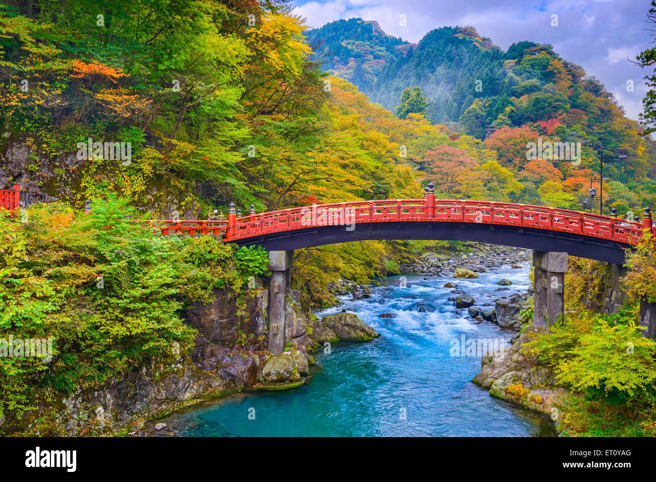 Nikko, Japan auf die Shinkyo-Brücke über den Fluss Daiwa. Stockbild