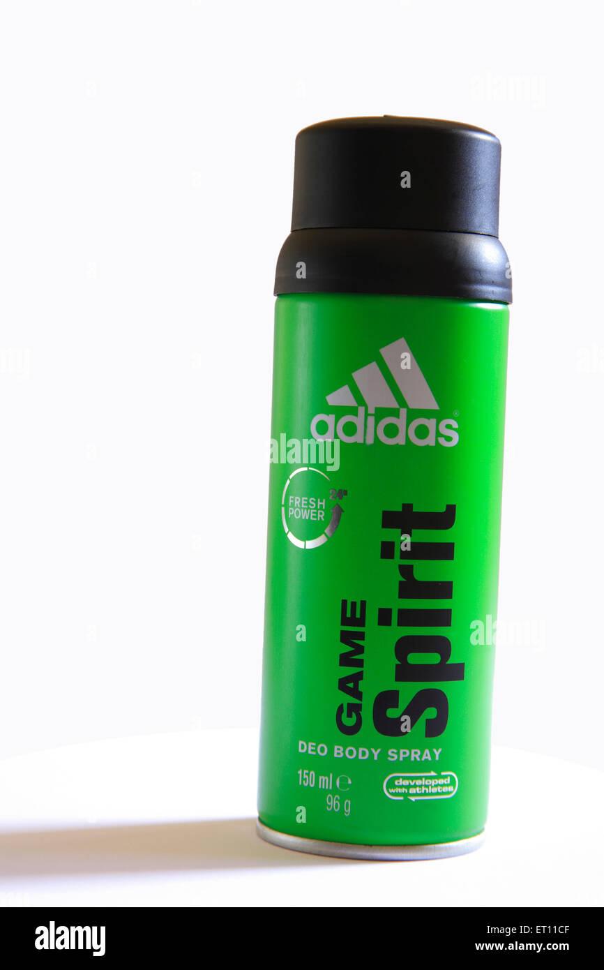 Duft Parfüm Spiel Spirit Deodorant Body Spray auf weißem Hintergrund Stockbild
