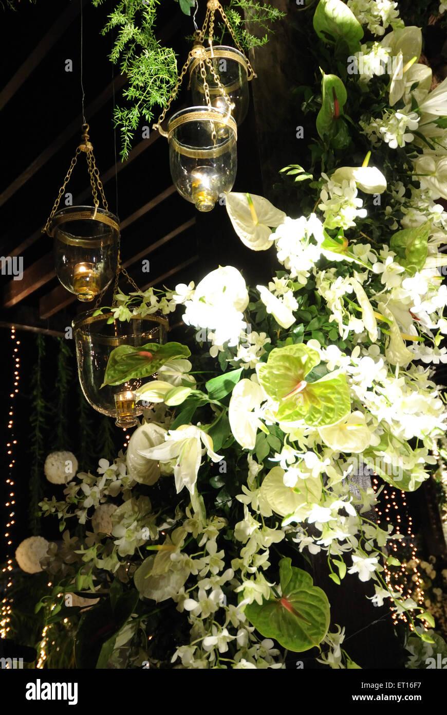Anthurien und Orchideen Blumendekoration Stockbild