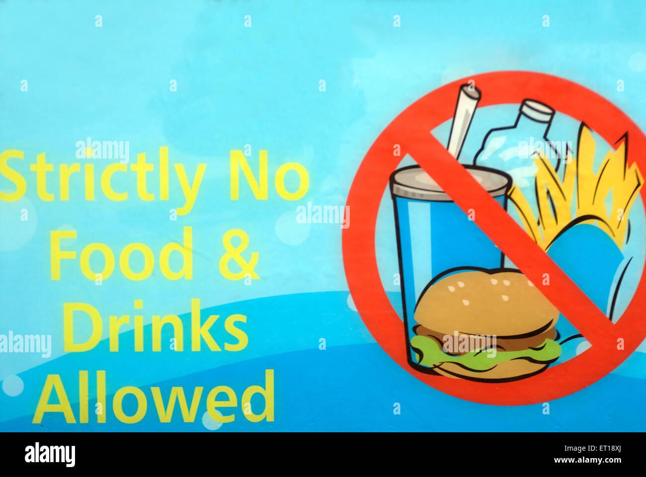 Schild zeigt streng keine Lebensmittel und Getränke erlaubt; Genting ...