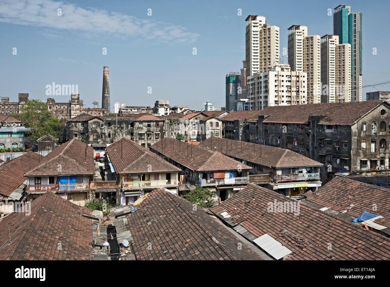Highrise Gebäude Mühlen und Chawls Mumbai Indien Asien Stockfoto