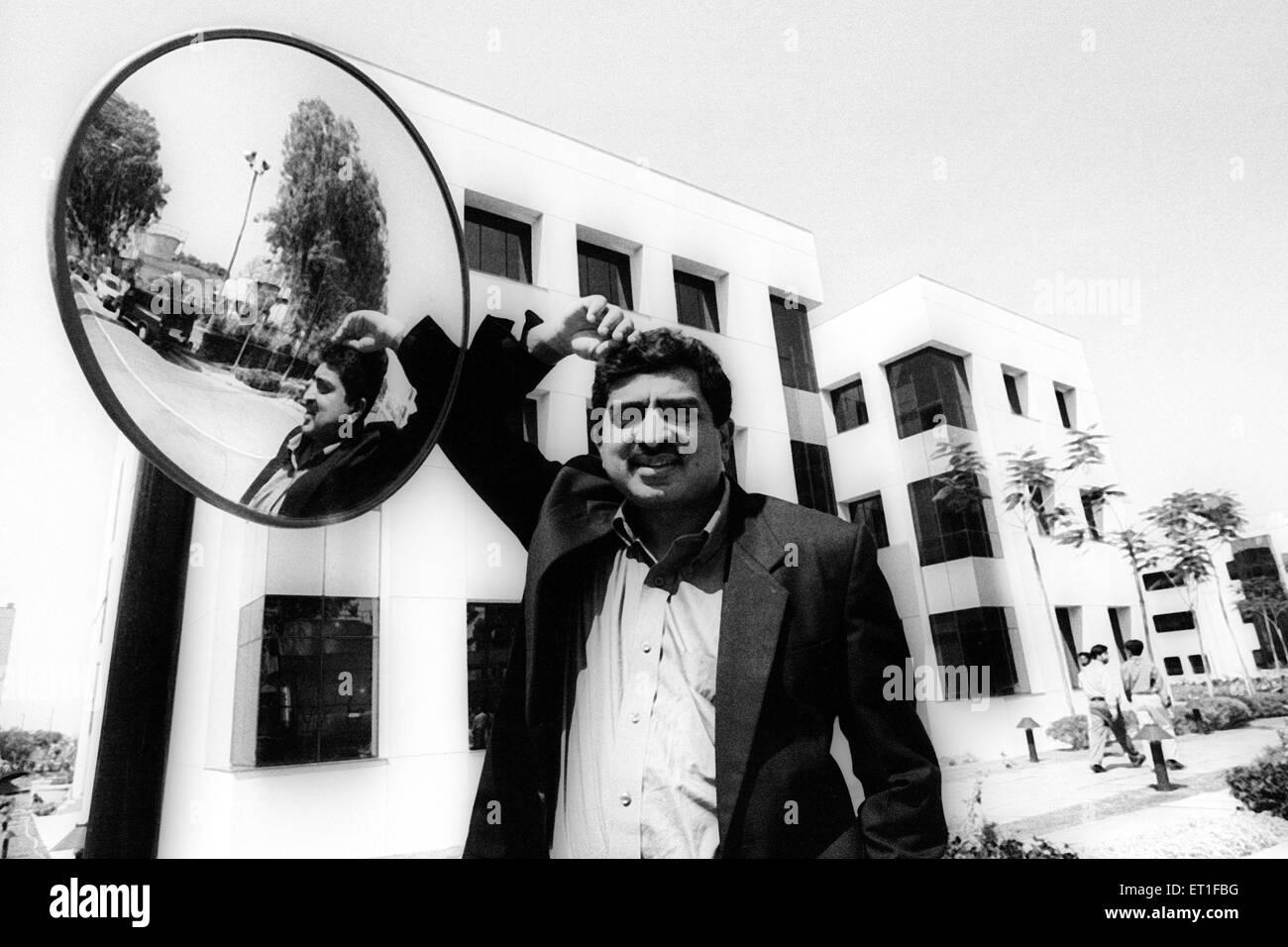 Chief Executive Officer und Director von Infosys Nandan Nilenkani bei Infosys Campus; Bangalore; Karnataka; Indien Stockfoto