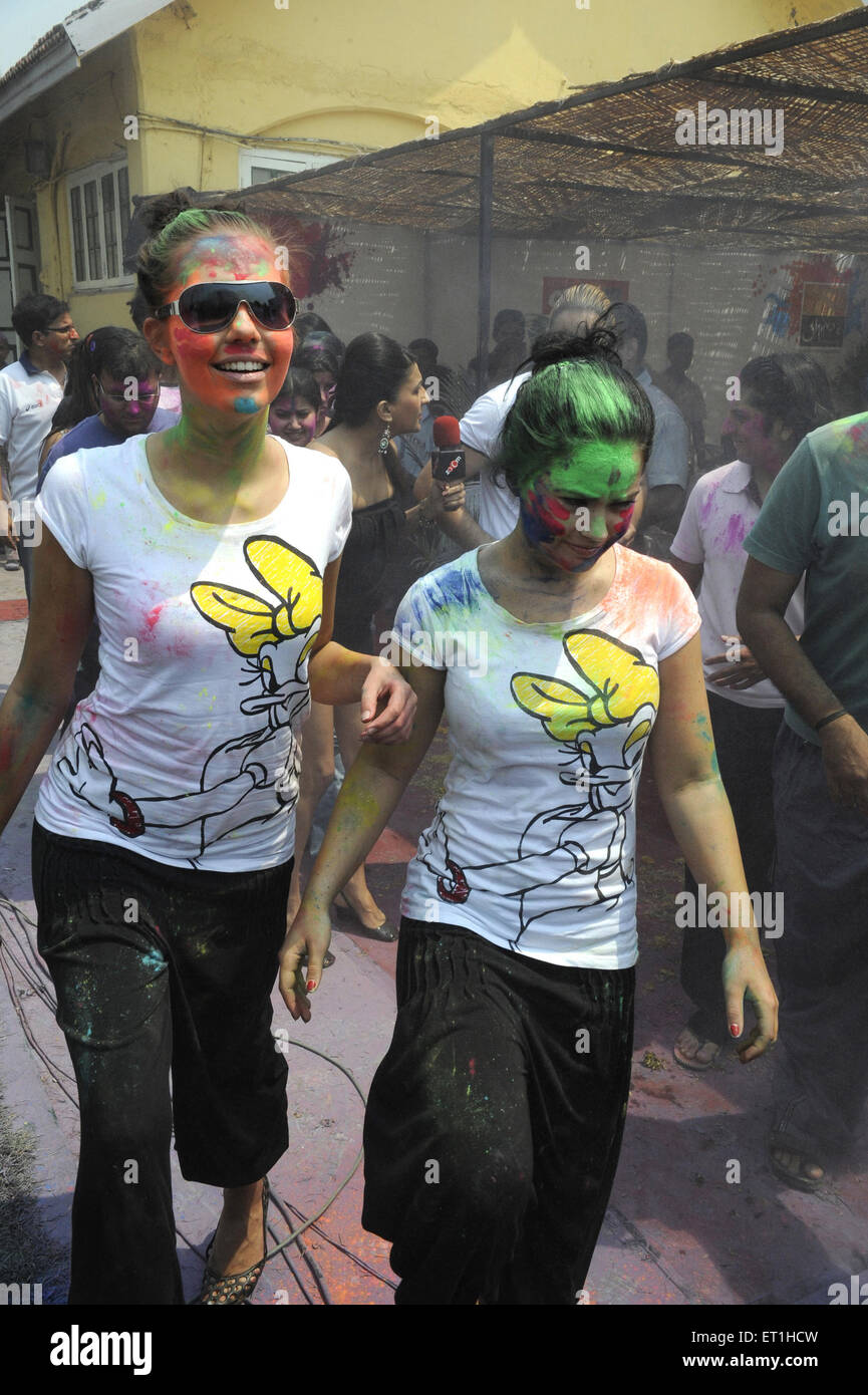 Berühmtheiten genießen Holi-fest; Indien nicht Herr Stockbild