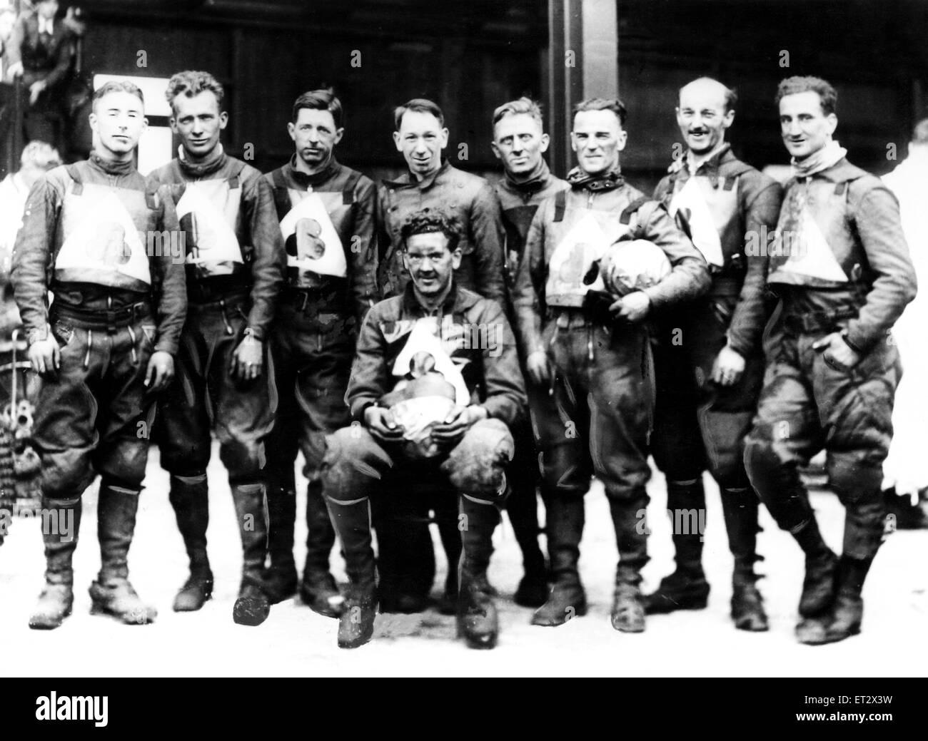 Das Belle Vue Kader von Mitte dreissig, nach ihrem vierten aufeinander folgenden National League-Triumph in 1936 Stockbild