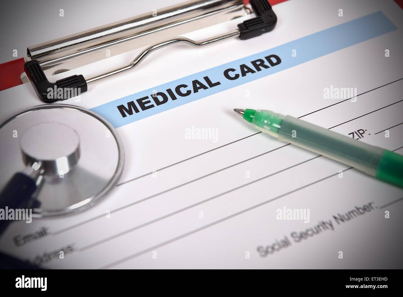Arzt Stethoskop auf dem medizinischen Formular Stockbild