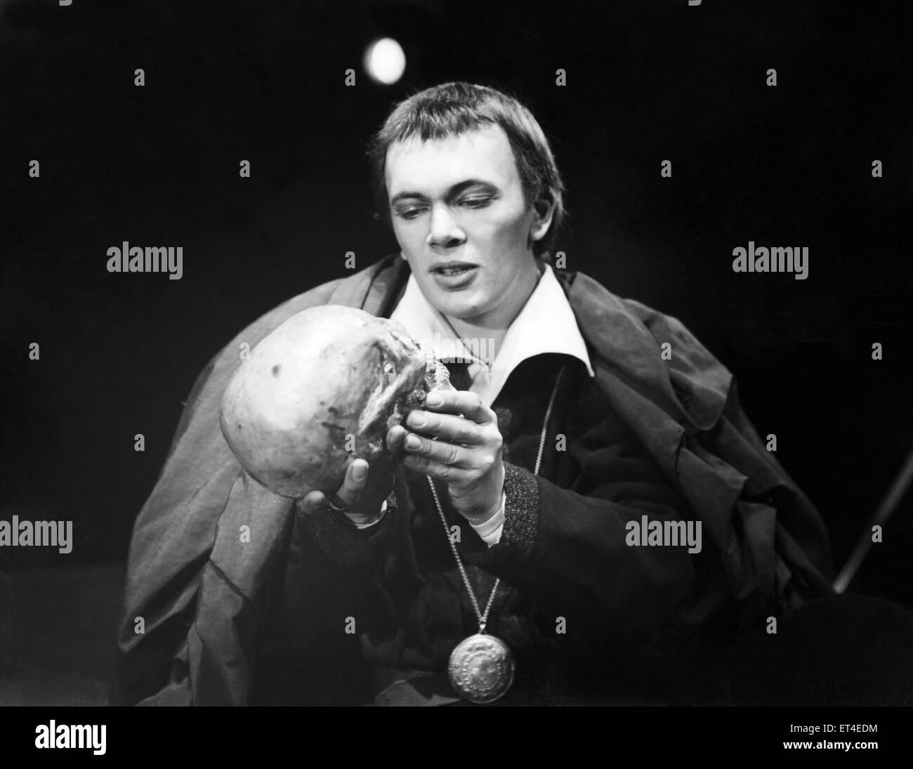 Unbekannter Darsteller gesehen hier als Hamlet Circa 1950 durchführen Stockbild
