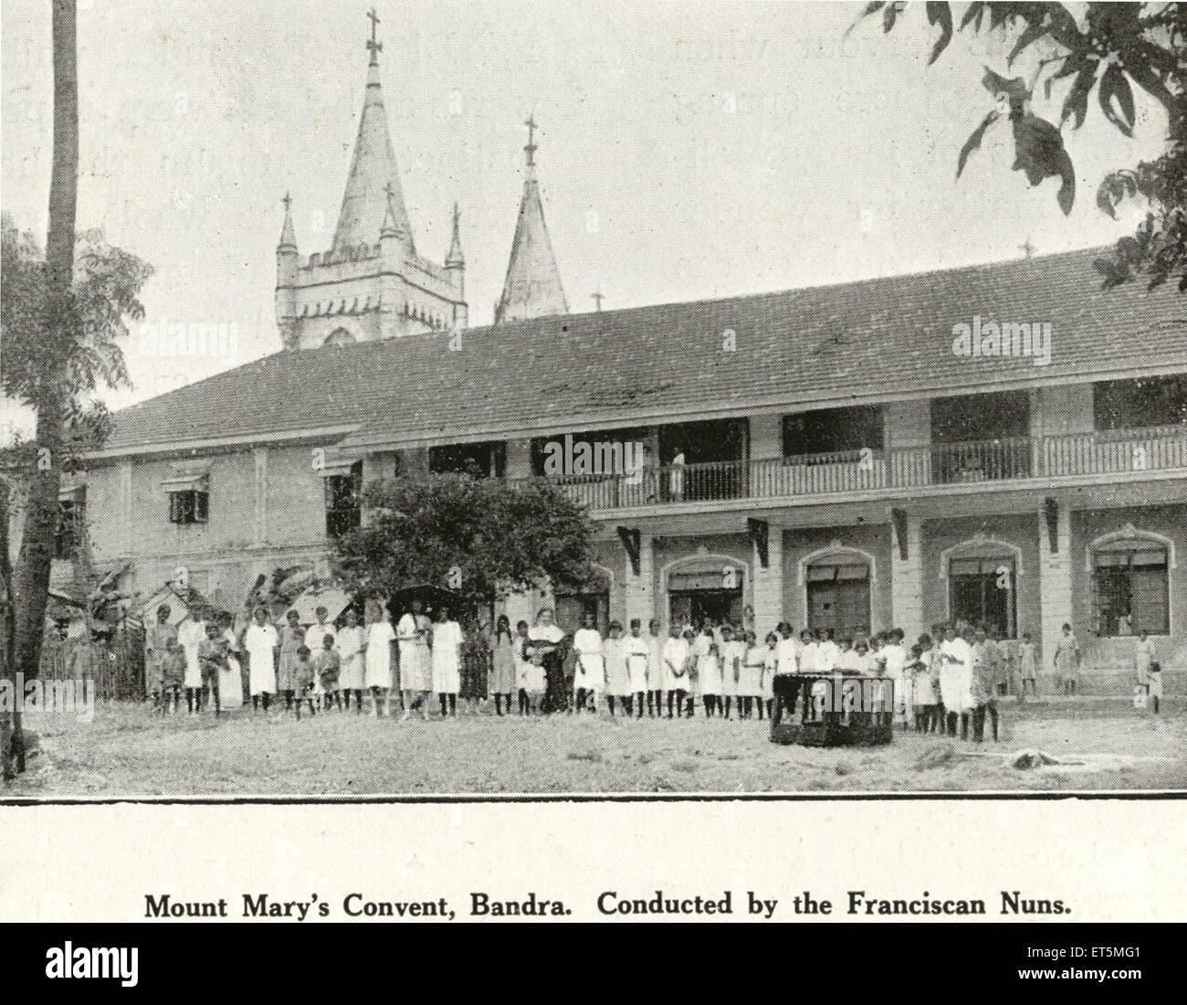 Marias Kloster Bandra Verhalten von Franziskaner Nonnen zu montieren; Bombay Mumbai; Maharashtra; Indien Stockbild