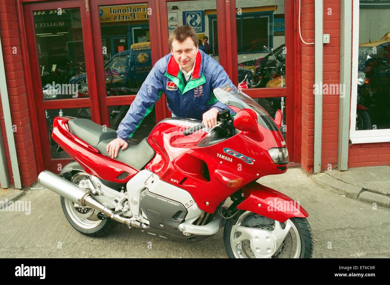 Gary Jordinson Tillsons Motorrad Shop, Stockton, mit dem Yamaha GTS 1000. 15. Februar 1993. Stockbild