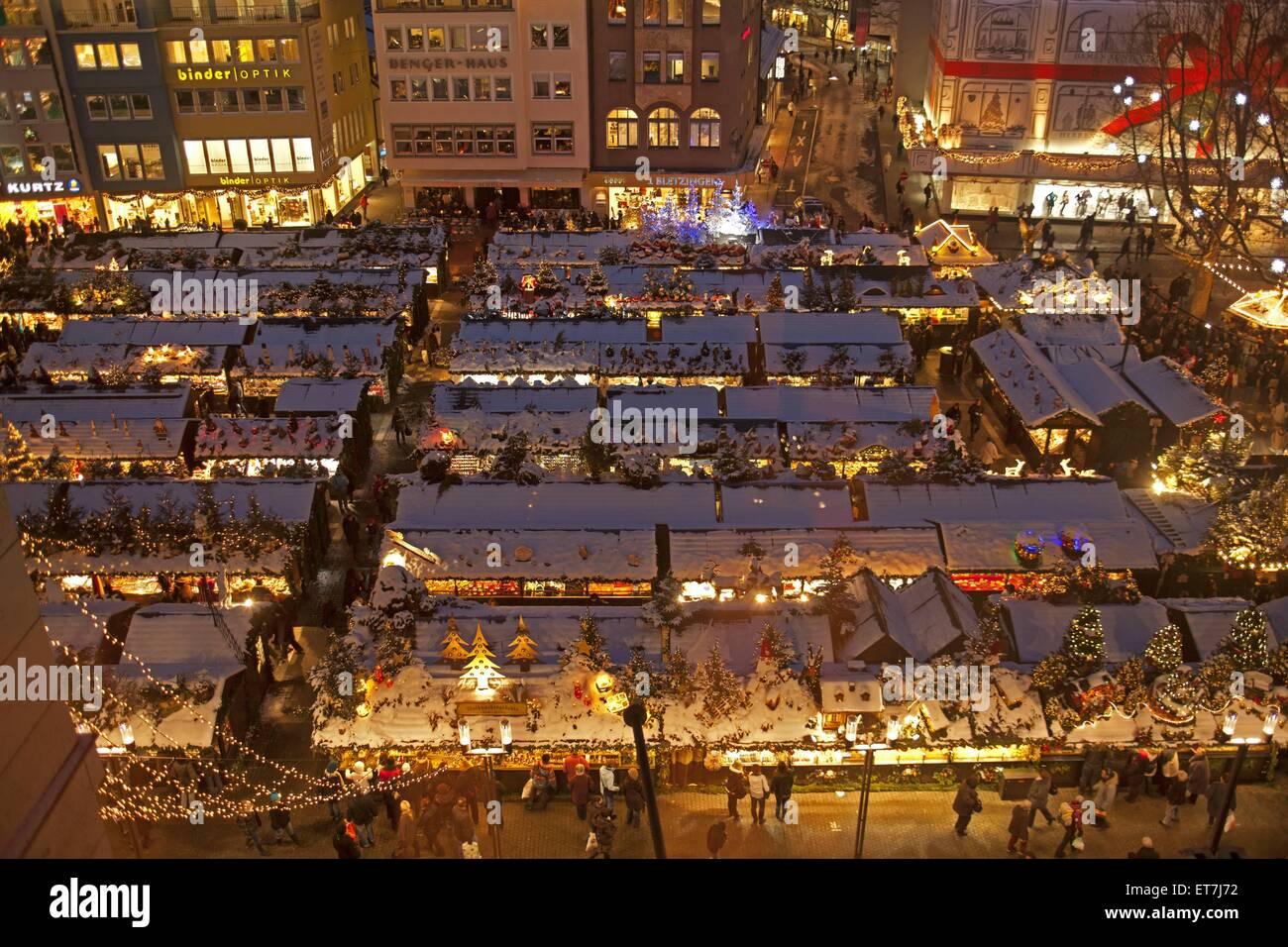 Stuttgart Weihnachtsmarkt.Blick Von Oben Auf Den Stuttgarter Weihnachtsmarkt Bin Abend