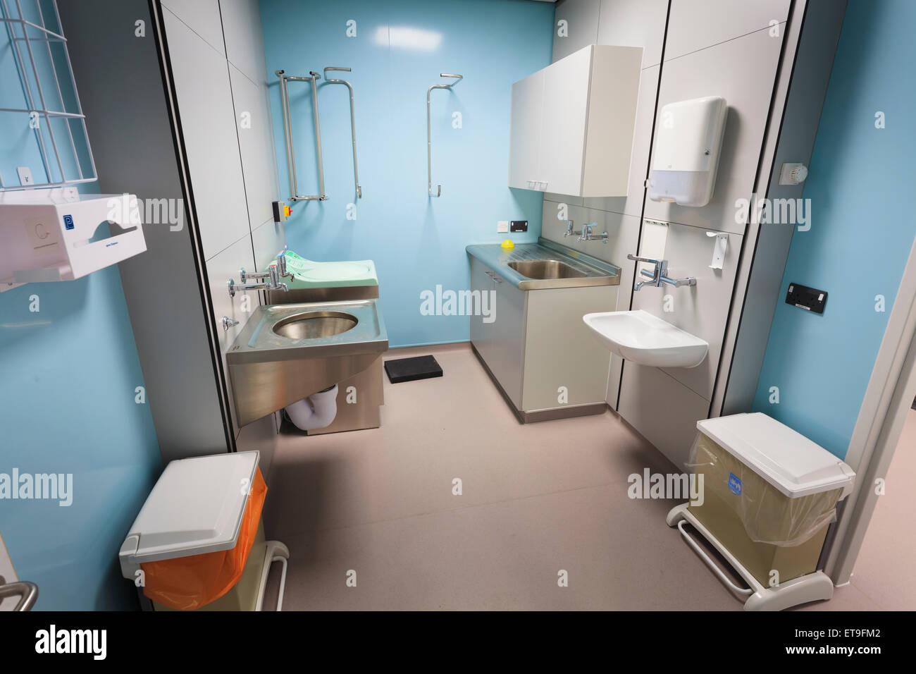 Dirty-Dienstprogramm Krankenzimmer ohne Menschen Stockbild