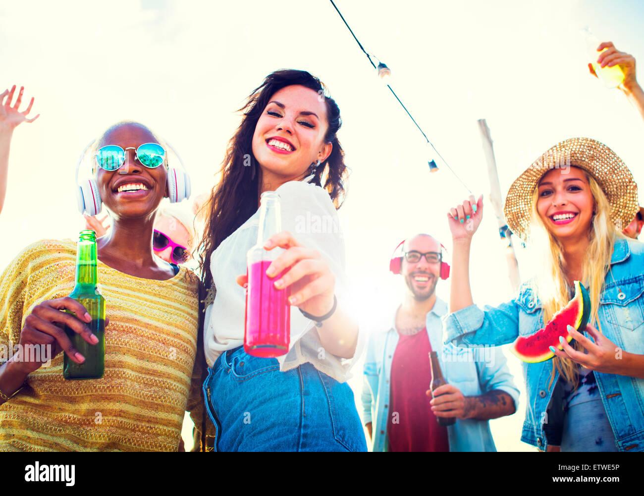 Freundschaft Feier Party Strand Sommer Konzept Stockbild